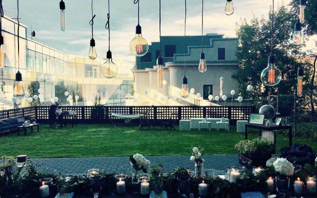 Vintažinių lempučių girlaindų nuoma vestuvėms
